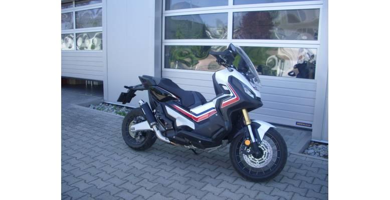 honda-x-adv-750-bodis-exhaust-1.jpg