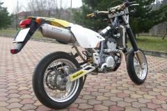 Suzuki-drz400s-bodis-oval-16