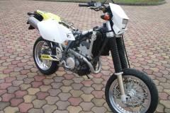 Suzuki-drz400s-bodis-oval-24